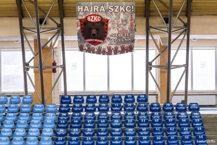 Meghalt a politikus, megszűnik a magyarok csapata