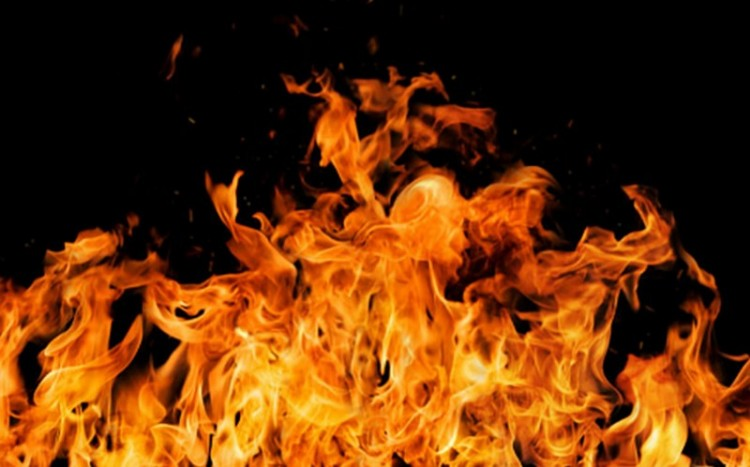 Raktártűz a debreceni belvárosban