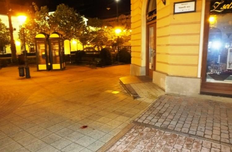 Ököllel ütöttek és fejbe rúgtak egy férfit Debrecenben