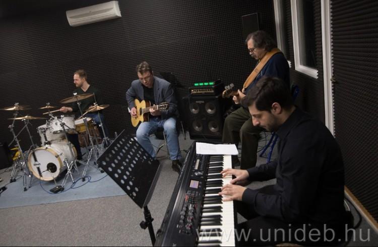 Ismert zenészek a felvételin Debrecenben