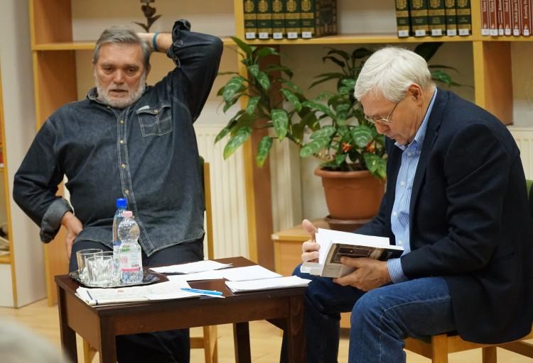 Debrecenben járt az újságíró, aki a romagyilkosságokról a legtöbbet tudja