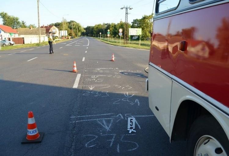 Szabálytalankodó buszsofőr gázolt Hajdúböszörménynél