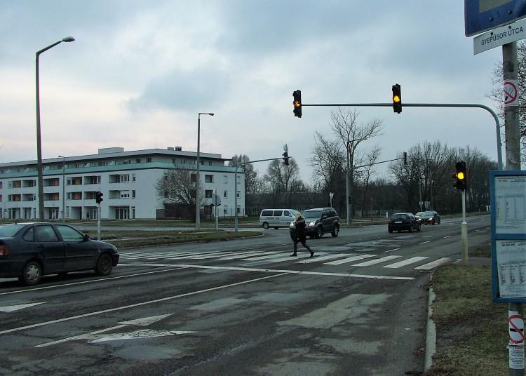 Ne üssenek már el annyi embert Debrecenben!