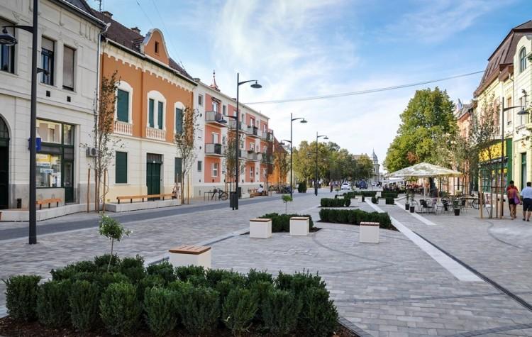 Kósa Lajos grandiózus fejlesztéseket ígért Lázár János városának