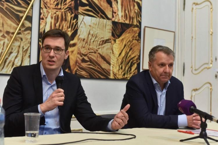 Az MSZP-seknek Erdélyben kampányolni felesleges időtöltés