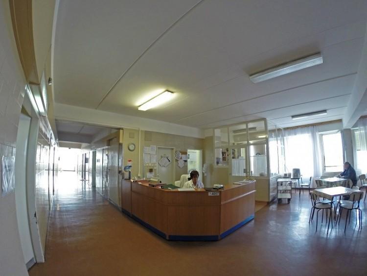 Influenza: a debreceni Kenézyben sem lehet látogatni