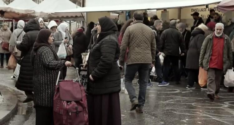 Deutsch Tamás is elkészítette a migránsozós videóját