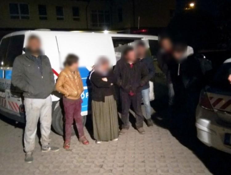 Pórul jártak a Debrecenben elkapott embercsempészek