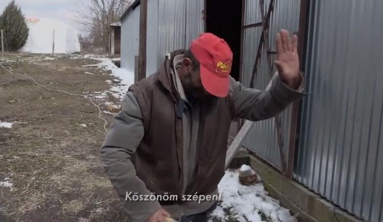 Orbán Viktor talált egy sziklát a szavazótáborában