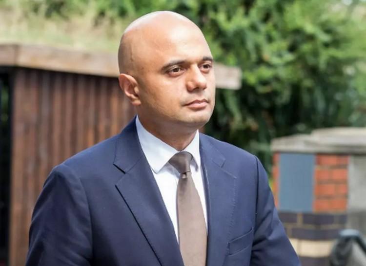 Pakisztáni származású minisztert kaptak a britek