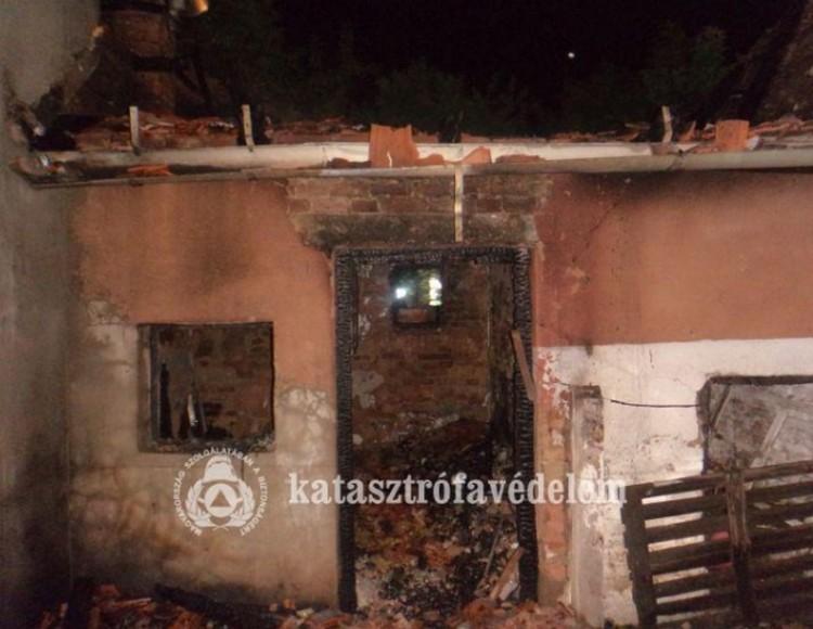 Két épület is kigyulladt a debreceni utcában