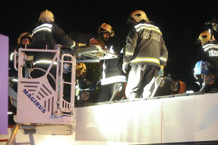 Súlyos buszbaleset Budapesten