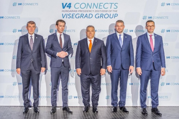 Ezt a fotót nem köszöni meg a kollégájának Orbán Viktor