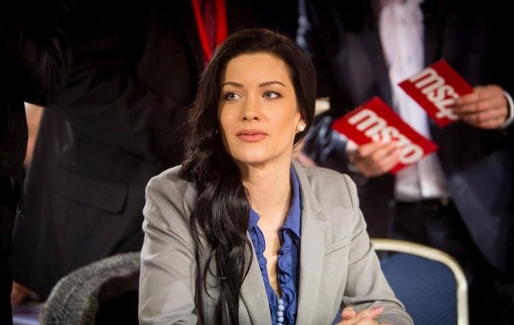 A magyar politika bája: az LMP jó nőjét nem vették fel az LMP-be!