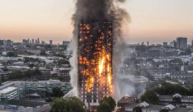 Gyász Londonban: 72 halálos áldozata volt a tűzvésznek