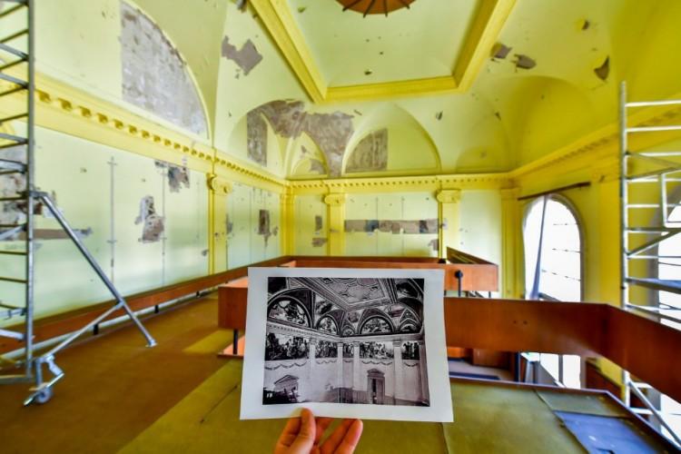 Impozáns belvárosi épületet újítanak fel Debrecenben