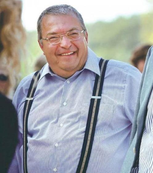 Simicska elhagyja Magyarországot?