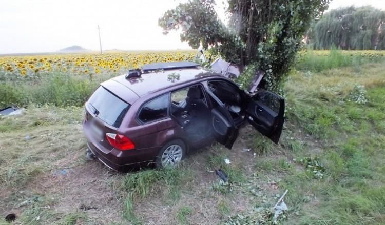 Baleset: csúnyán megjárta a drogos nő a BMW-vel