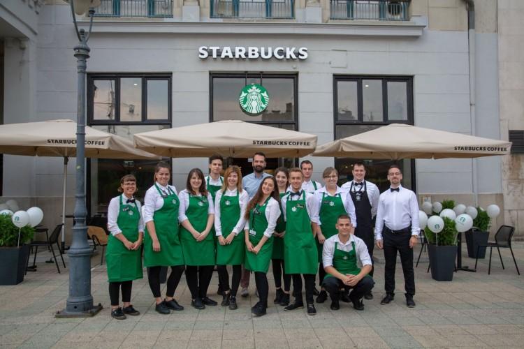 Nyitva! Már két Starbucksa van Debrecennek
