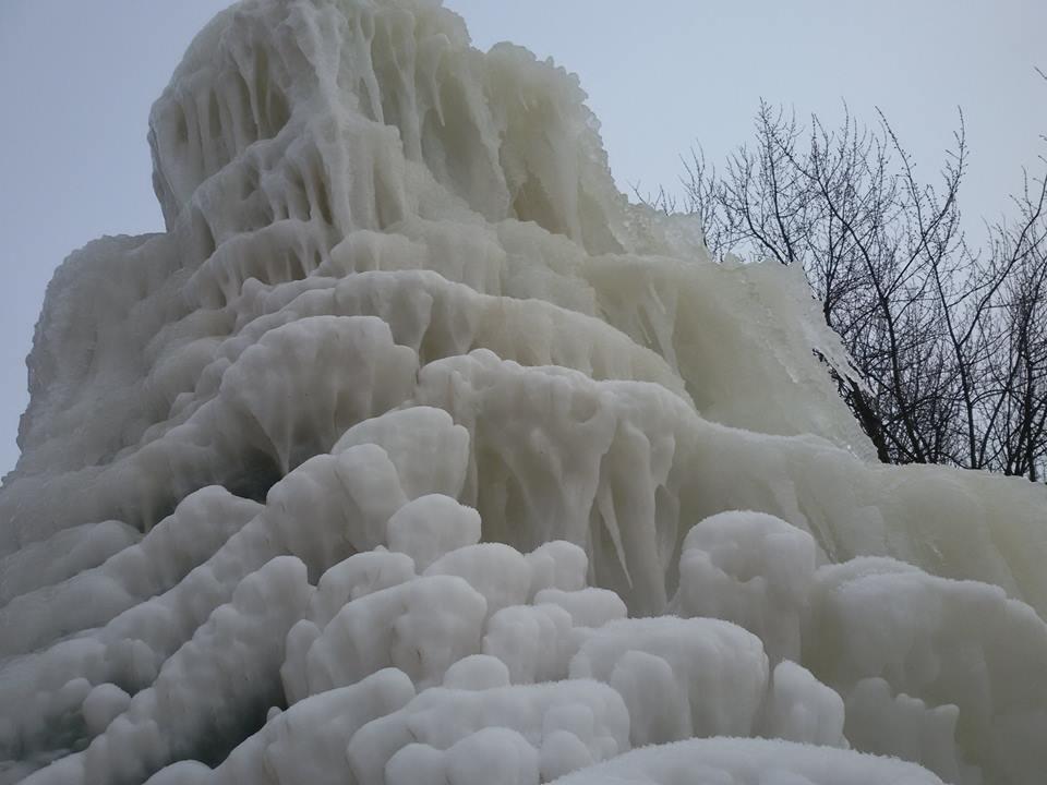 Roppant fagyos látványosság: egyre hízik a sóstói jégszobor