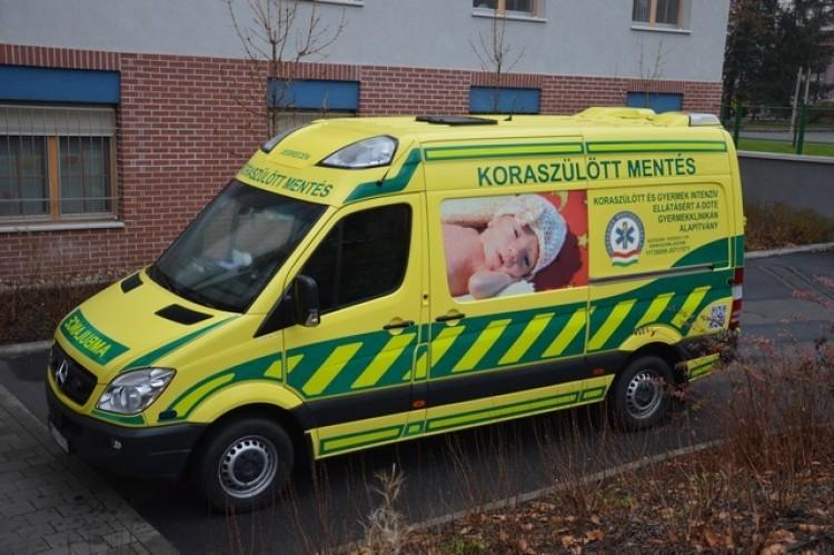 Komoly adományt kaptak a koraszülöttmentők Debrecenben is