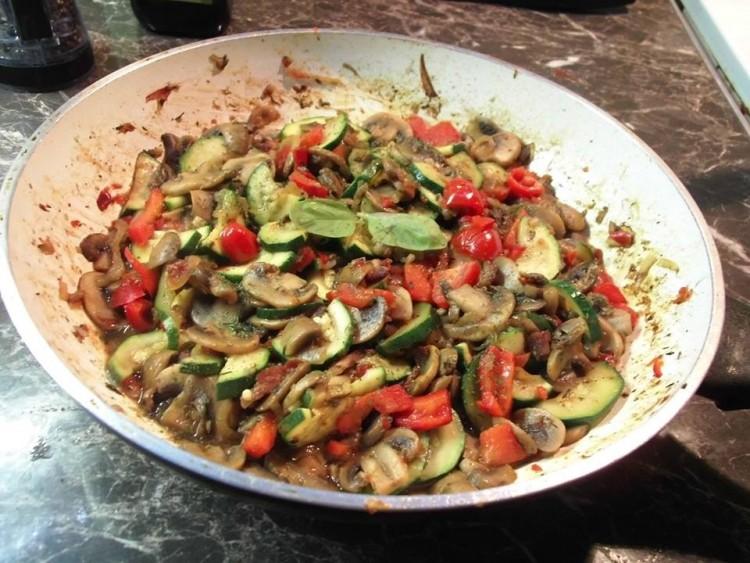 Recept: magyaros cukkini-gombaragu