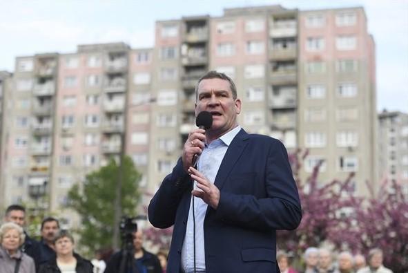 Botka visszaadná a 13. havi nyugdíjat - 2009-ben az ő szavazatával vették el