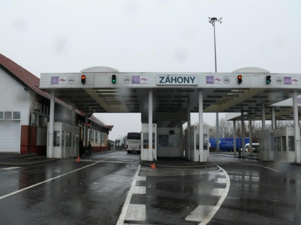 Több mint ötven záhonyi határrendész ellen emeltek vádat korrupciós bűncselekmények miatt