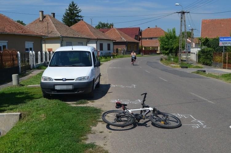 Részeg biciklis ütött el autóst
