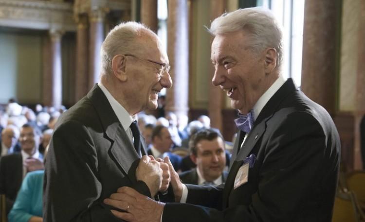 Gyász a Debreceni Egyetemen: elhunyt a volt rektor