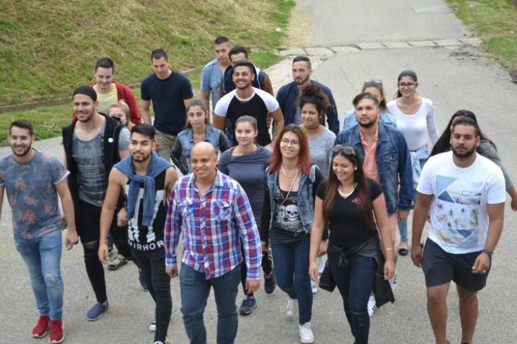 Jelentkezőket vár a roma szakkollégium