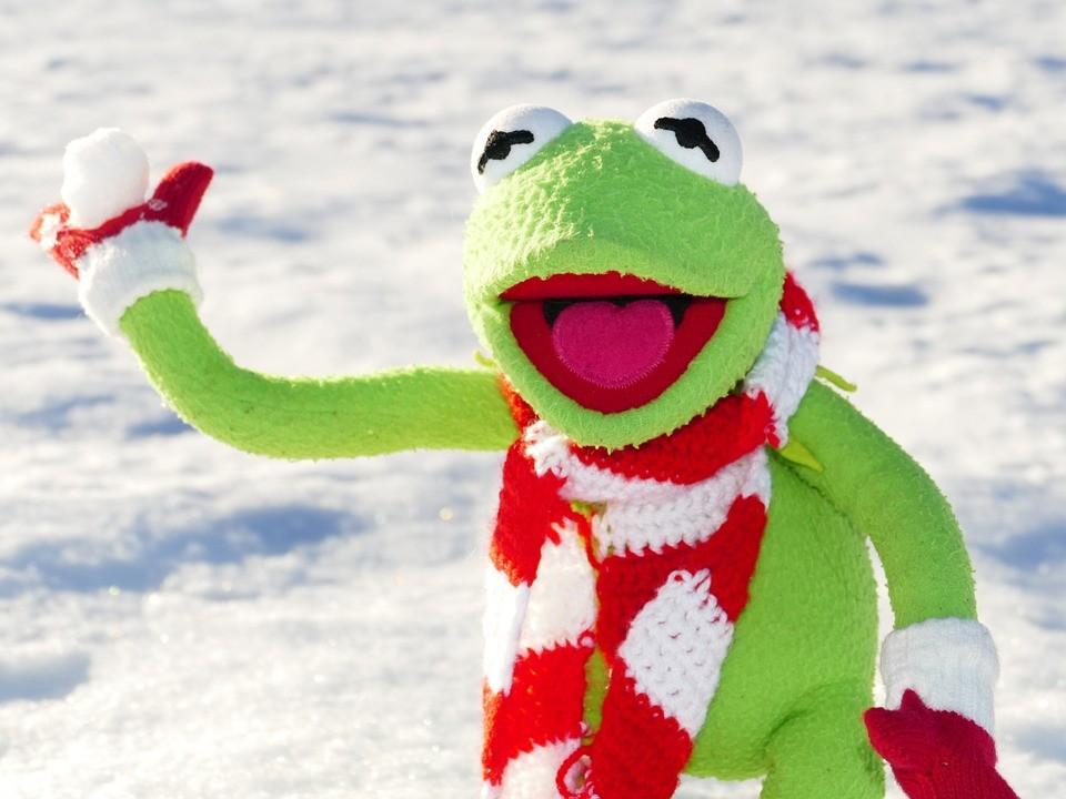 Már havazik a szomszédban
