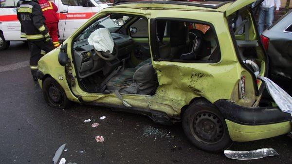 Csúsznak az utak, rengeteg a baleset Szabolcsban