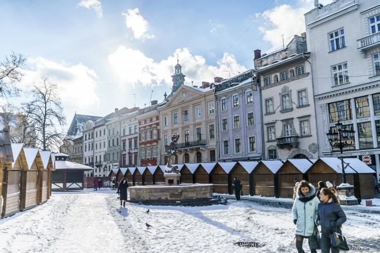 Bomba robbant egy lengyel turistabusz alatt Ukrajnában