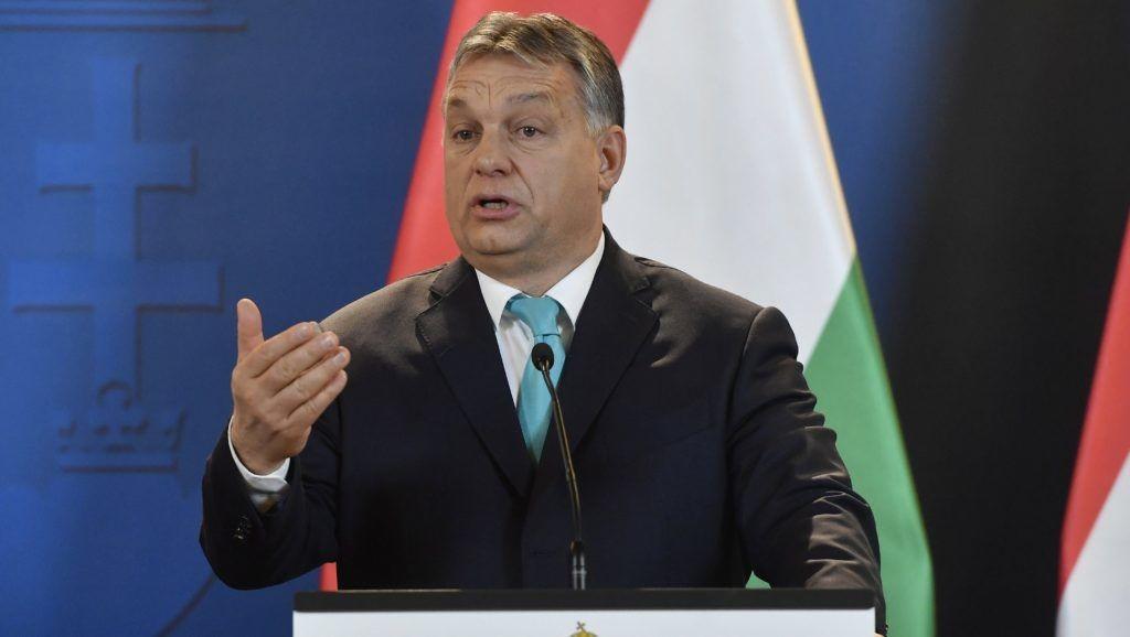 Orbán megajándékozta a szíriai Aleppo érsekét
