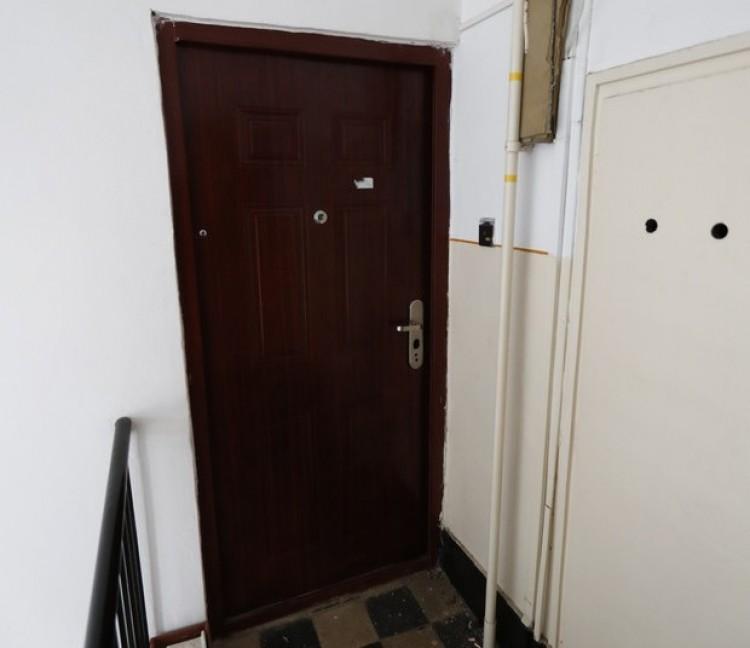 Rejtélyes holttest egy kisvárdai lakásban!