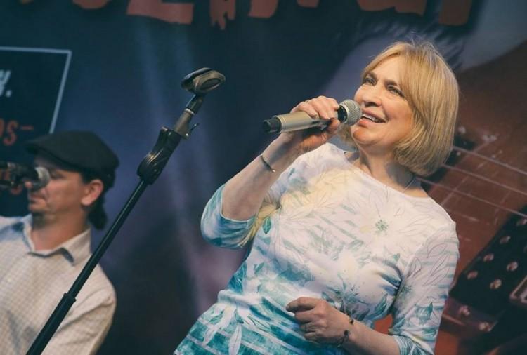 A könnyűzene koronázatlan királynője Kisvárdán koncertezik