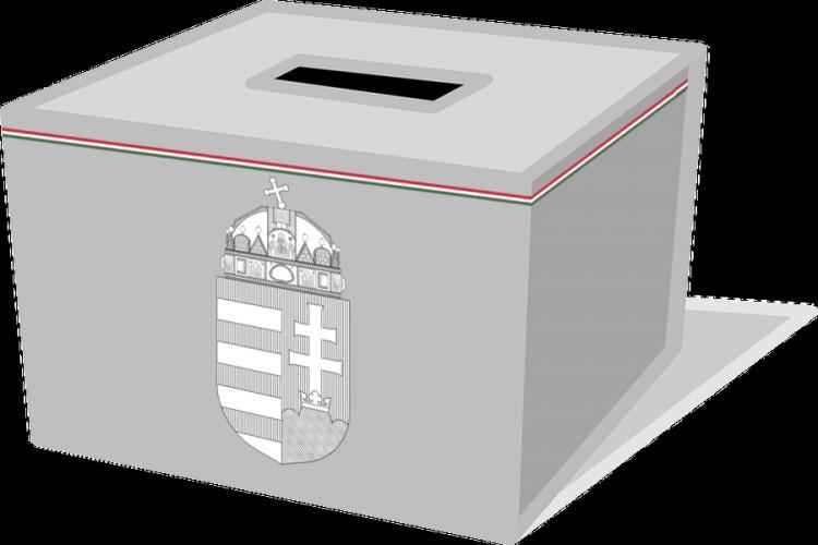 Hétfőtől hordja a posta a választási értesítőket