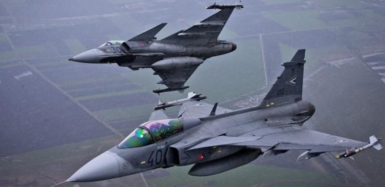 Riasztották a Gripeneket, német gép repült csendben felénk