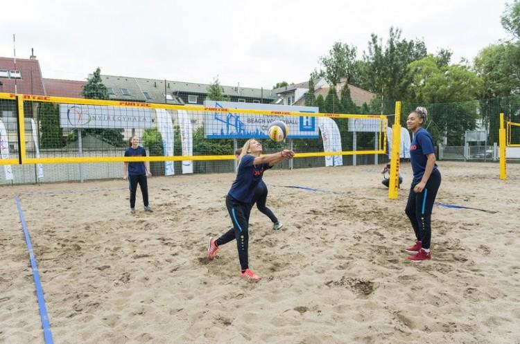 A röplabdaőrület elérte a nyíregyházi belvárost is