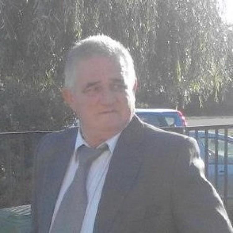 Elhunyt Czeczeli Károly