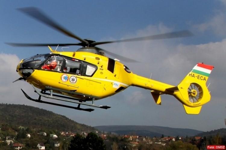 Mentőhelikoptert kellett hívni az M3-asra