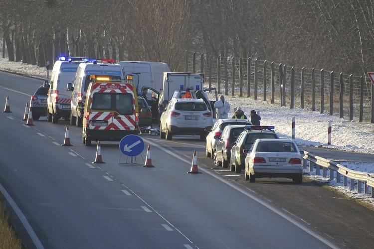 Gyilkosság történt az autópálya-pihenőben