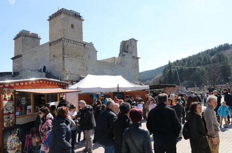 Születésnapi sörbuli a Diósgyőri várban
