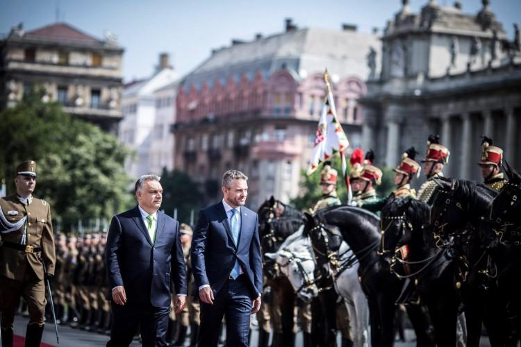 Kórházban tűnt fel Orbán Viktor