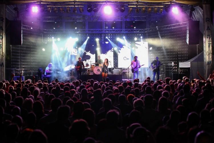 Kazincbarcikán startol a színek fesztiválja