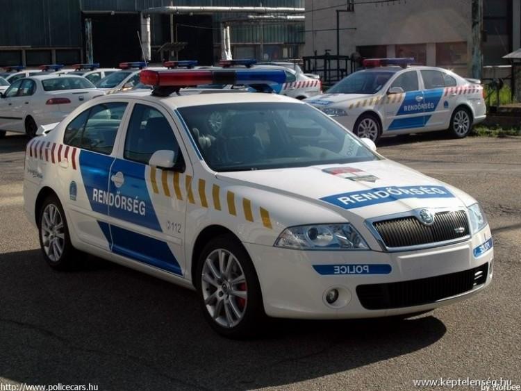 Bozótvágó késsel rendőrre támadtak Borsodban