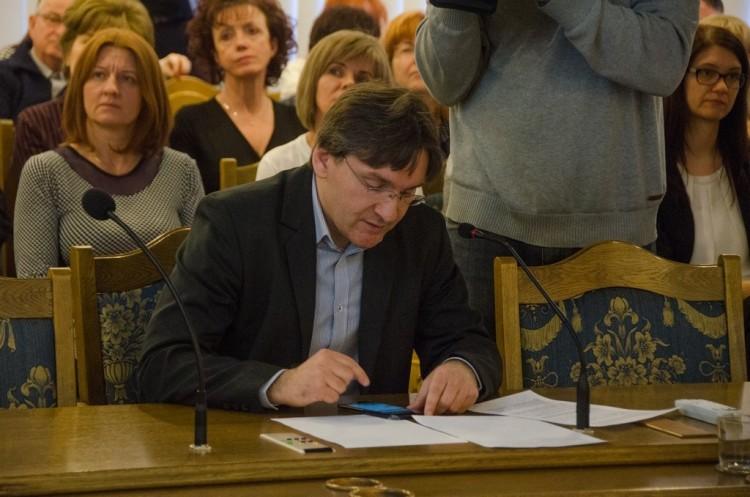 Elstartolt Tiszaújváros saját mobiltelefonos alkalmazása