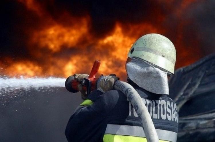 Melléképület lángolt Miskolcon