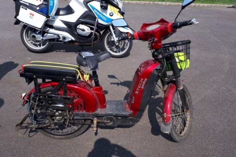 Az ózdi bácsi azt hitte a motorra, hogy bicikli